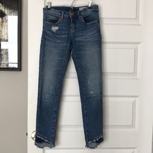 BlankNYC size 25 distressed jeans